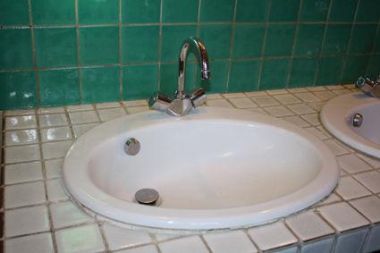 Grands lavabos et robinetterie Meubles