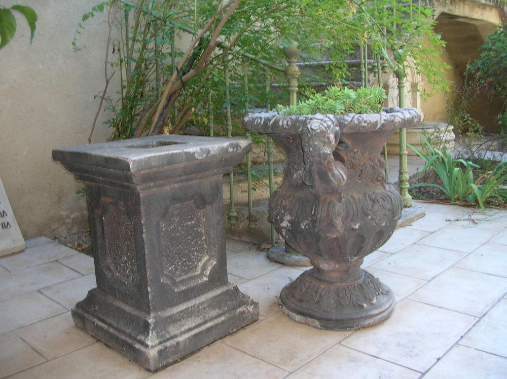 Grands vases Médicis sur socle 900 Cazouls-lès-Béziers (34)