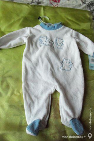 Grenouillère pour bébé taille 3 mois 6 Goussainville (95)