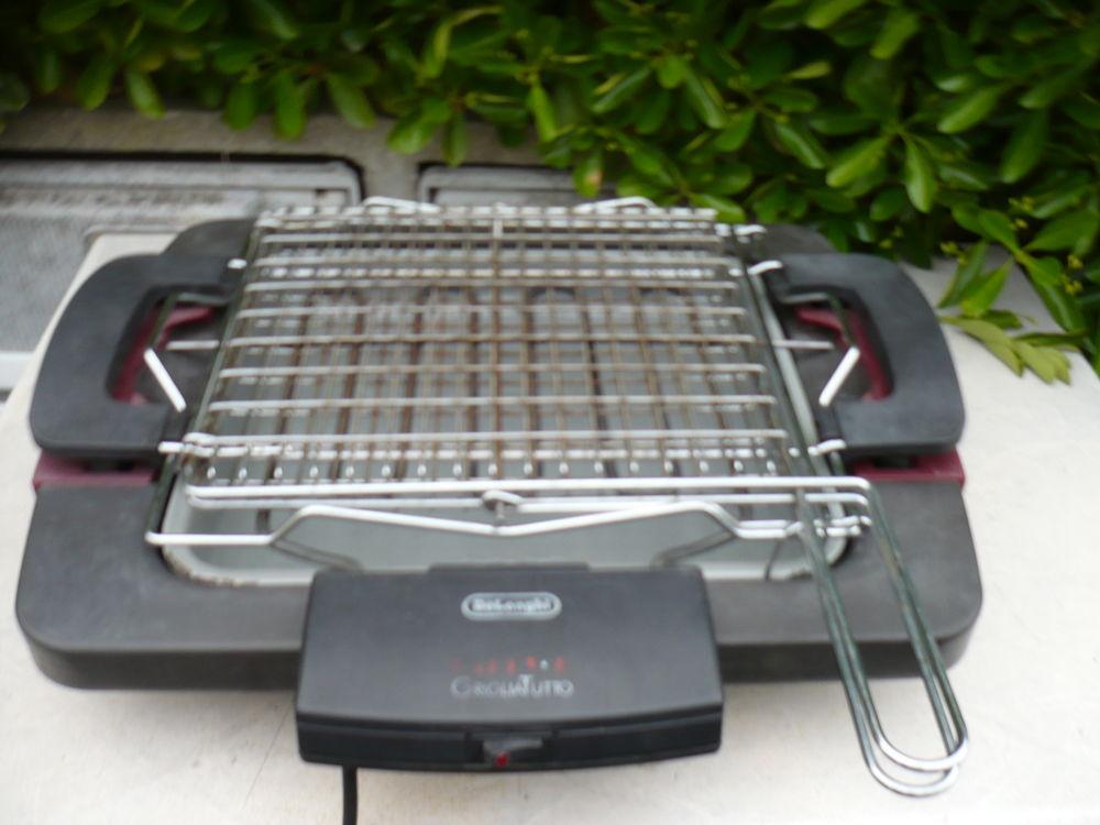 gril barbecue DELONGHI GRIGLIATUTTO  pour 4 personnes 40 Agde (34)