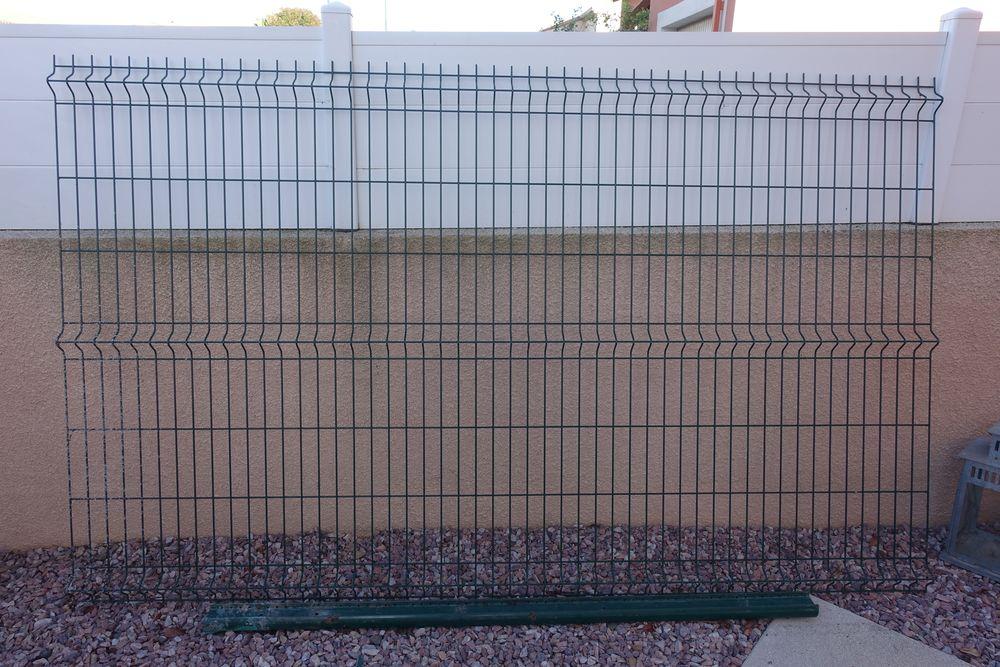 Achetez grille clôture occasion, annonce vente à Vendres ...