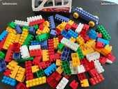 Lot de + de 130 gros legos  10 Plumergat (56)