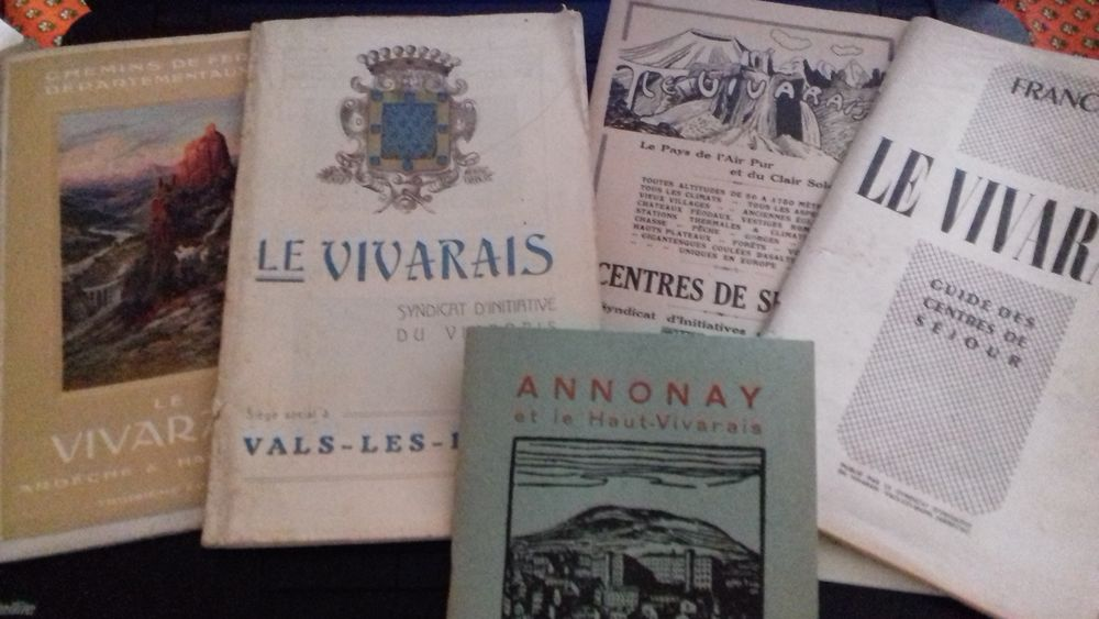 Lot de guides touristiques anciens sur le Vivarais 10 Villeurbanne (69)