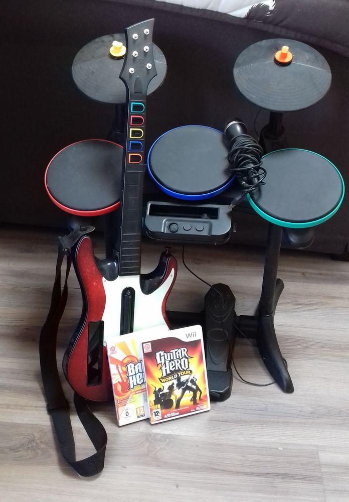 Guitar Hero  pour WII + Accessoires 30 Rouffiac-d'Aude (11)