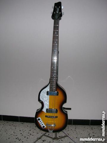 GUITARE BASSE STAGG 300 Fay-aux-Loges (45)
