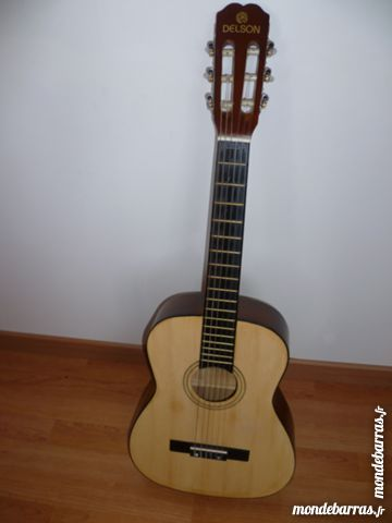 Guitare classique d'initiation Delson Sevilla BE 35 Issou (78)