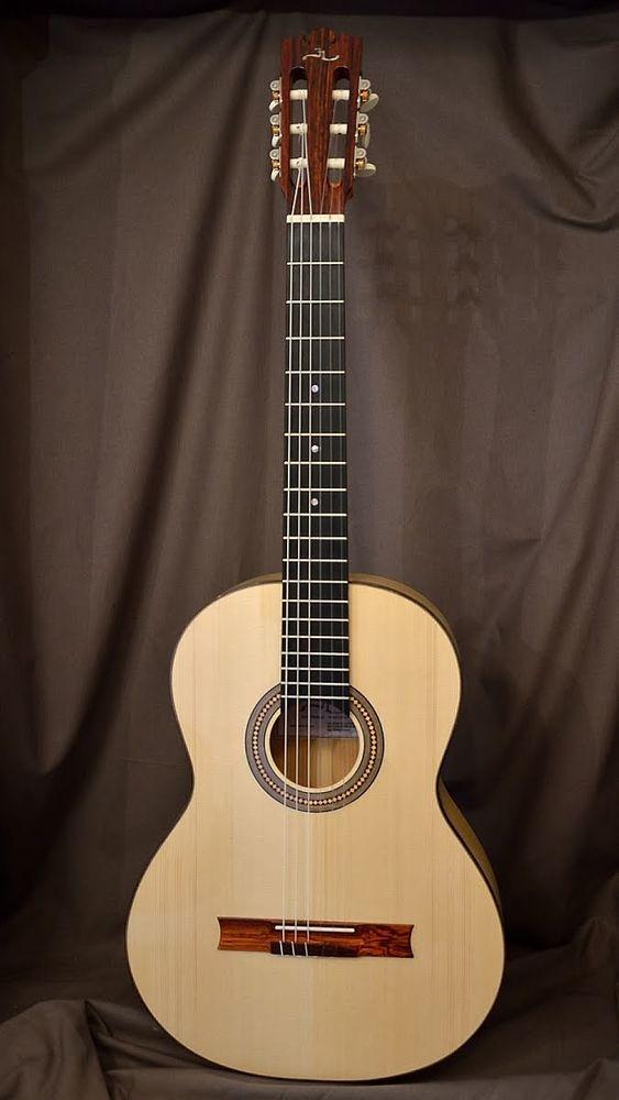 Guitare Cyprès   Zyriab   du luthier Jérôme Marchand 2900 Boulogne-Billancourt (92)