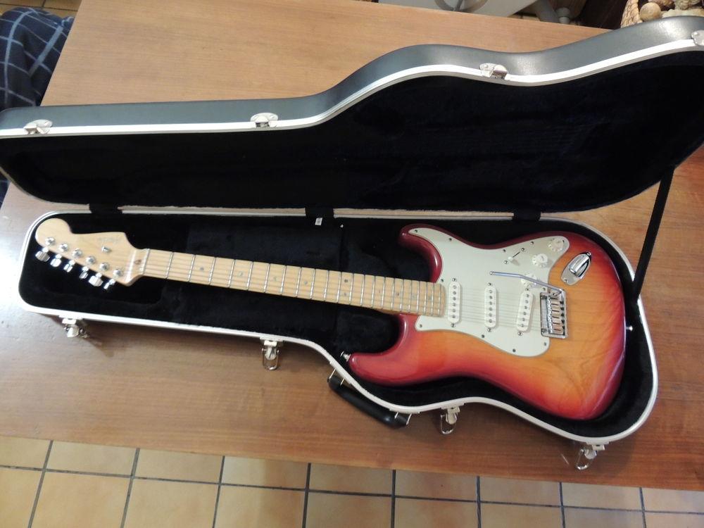 Guitare électrique fender stratocaster american de luxe 1100 Mane (04)
