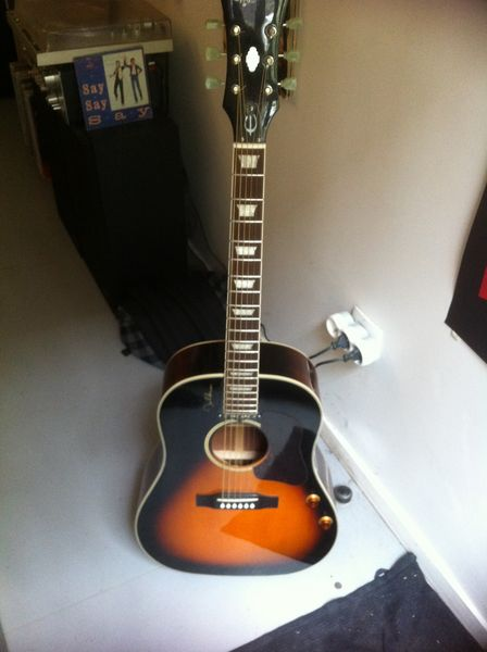 guitare acoustique usagee a vendre