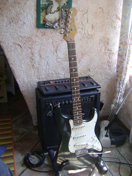 guitare FENDER 650 Auribeau-sur-Siagne (06)