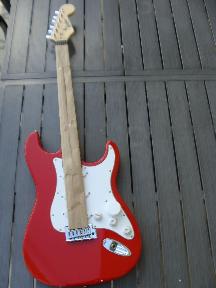 Guitare Jim Harley neuve  100 Lacadée (64)