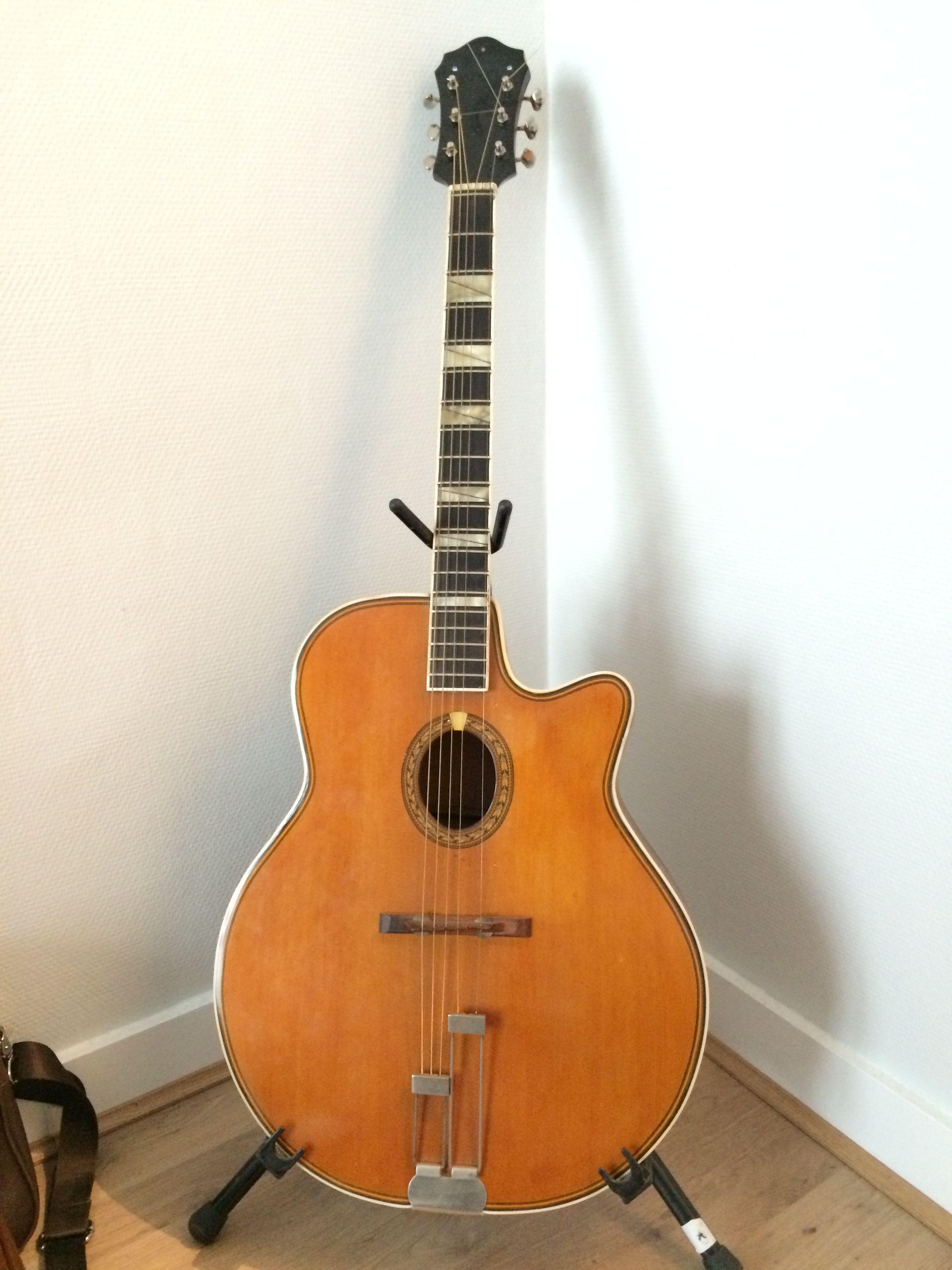guitares occasion annonces achat et vente de guitares. Black Bedroom Furniture Sets. Home Design Ideas