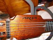 guitare silencieuse ARIA modèle Sansenido. 250 Carhaix-Plouguer (29)