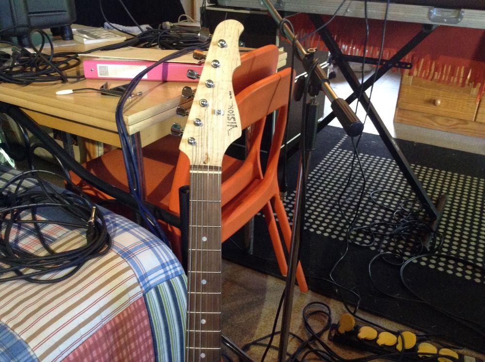 guitare type strat 50 Reynès (66)