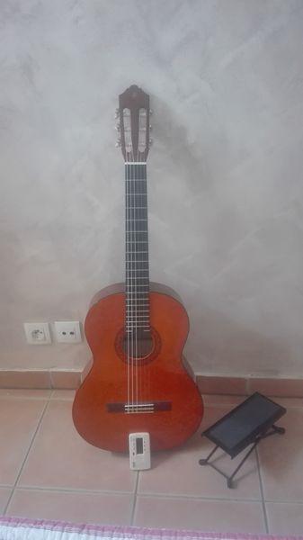 Guitare YAMAHA C40 95 Le Puy-Sainte-Réparade (13)