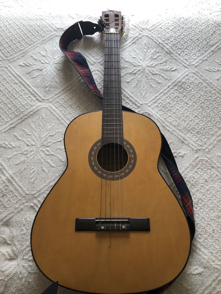 Guitare  50 Émerchicourt (59)