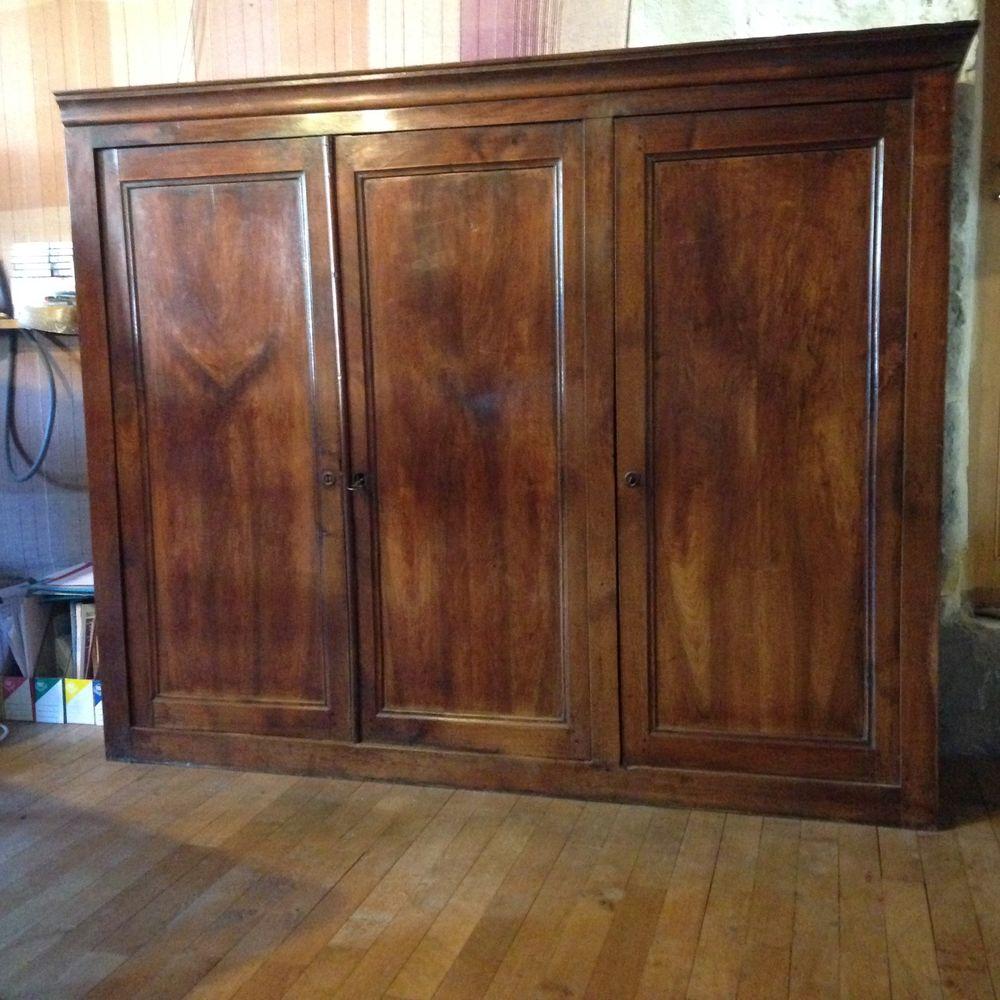 buffets bas occasion dans l 39 indre et loire 37 annonces achat et vente de buffets bas. Black Bedroom Furniture Sets. Home Design Ideas