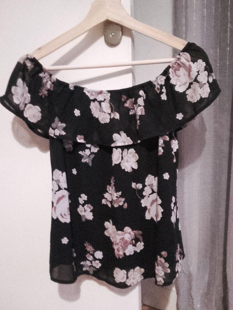 Haut/Top à épaules dénudées en voile noir à fleurs XS 4 Lyon 8 (69)