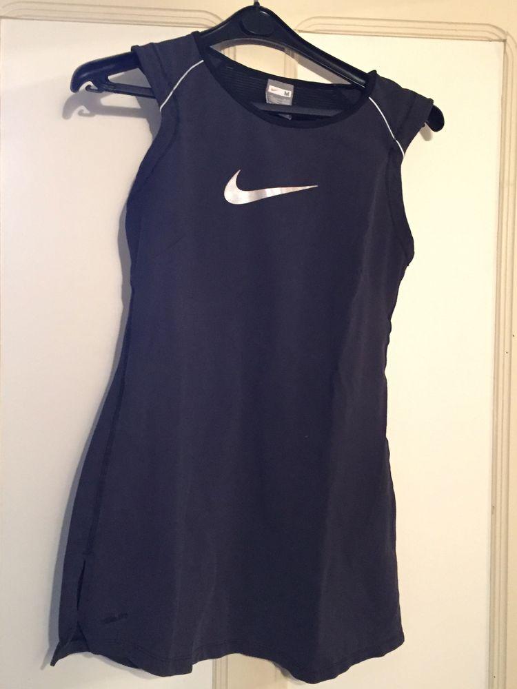 Haut Fitness Nike noir T.M 6 Jonquières (84)