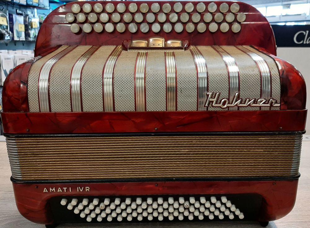 HOHNER AMATI 4 R 299 Laval (53)