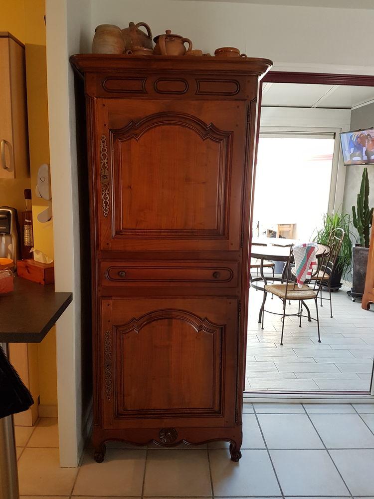 armoires en merisier occasion dans la loire atlantique 44. Black Bedroom Furniture Sets. Home Design Ideas