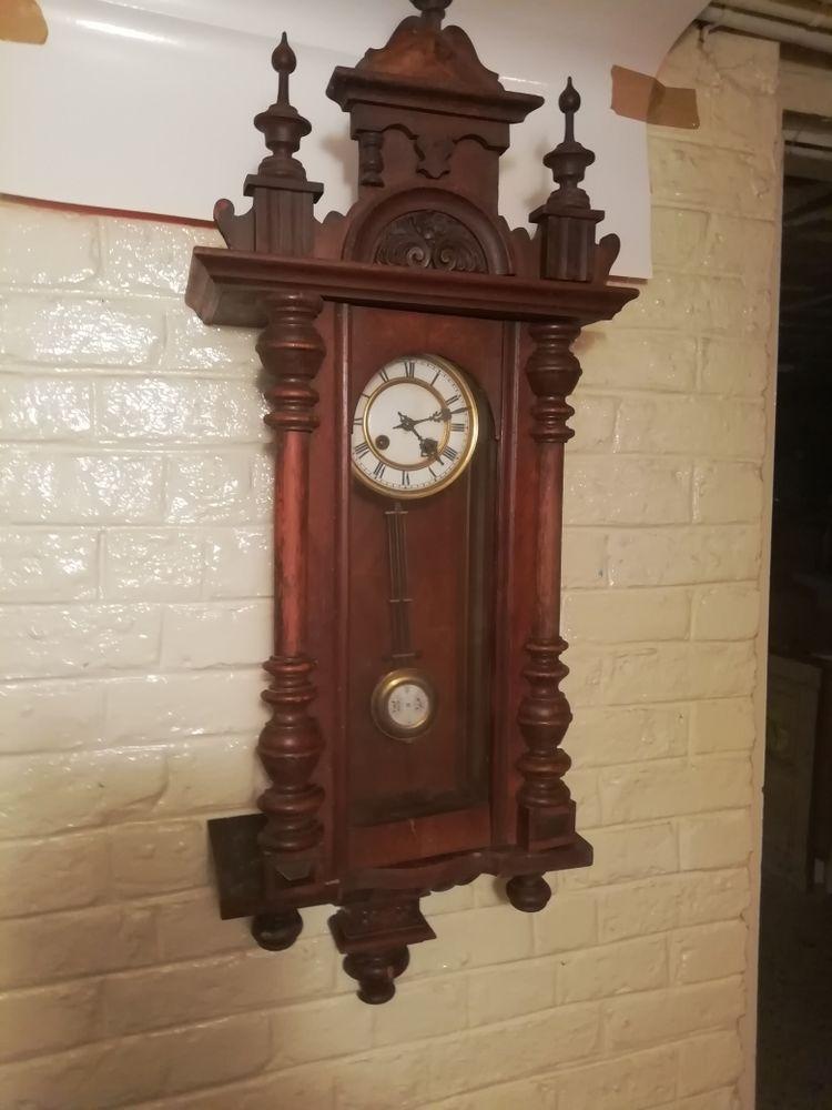 Horloge carillon murale à balancier remontage manuel à clé. H. 100- prof 17 larg 37 70 Saint-Quentin (02)