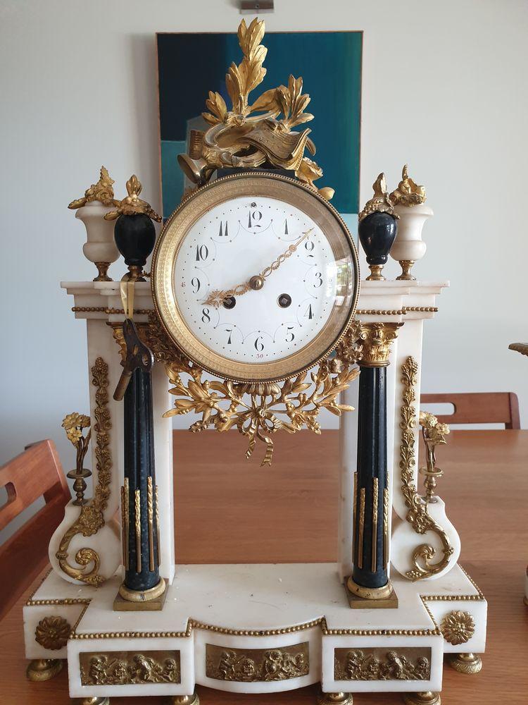 Horloge de collection et ses 2 chandeliers ange. 1500 Grimaud (83)