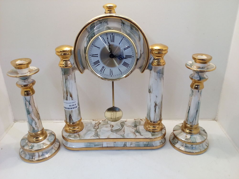 Horloge en faïence Décoration