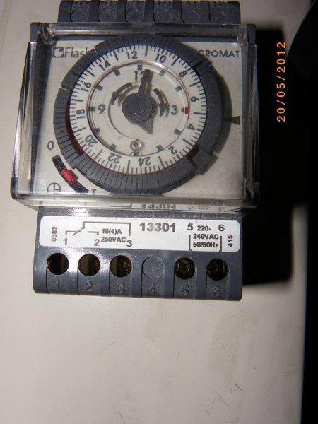 Horloge micromat 25 Nantes (44)