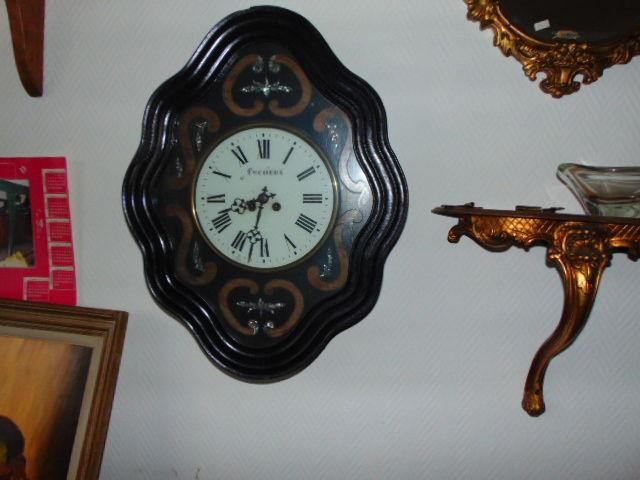 horloge  oeil de boeuf 60 Bruay-sur-l'Escaut (59)