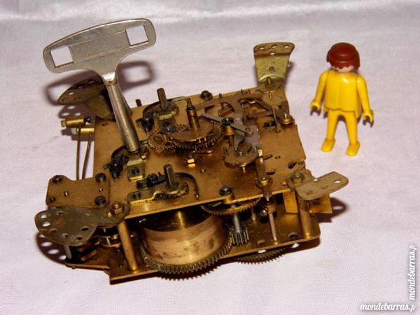 Horloge pendule mouvement horlogerie carillon 70 Dunkerque (59)