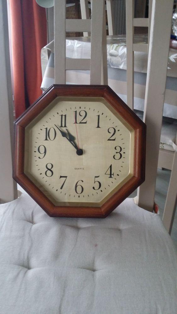 horloges occasion cergy 95 annonces achat et vente de horloges paruvendu mondebarras. Black Bedroom Furniture Sets. Home Design Ideas