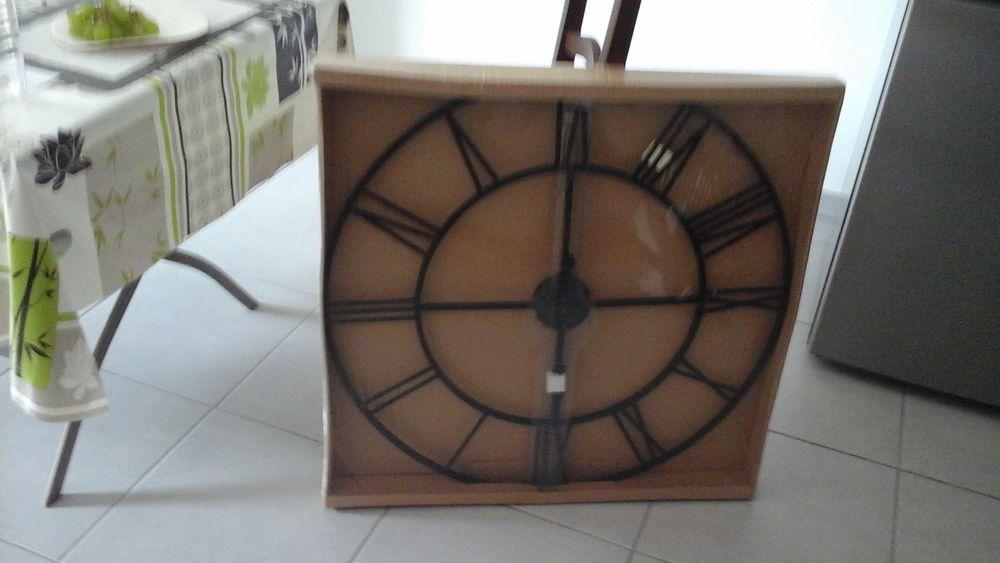 Horloge 20 Toulon (83)