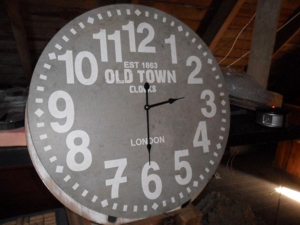 horloges en bois 13 Plonéour-Lanvern (29)