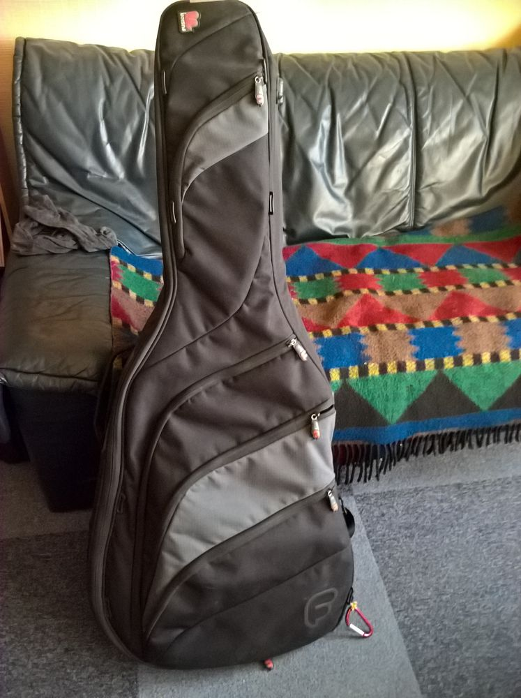 House Acoustic Guitar Bag 110 Champigny-sur-Marne (94)