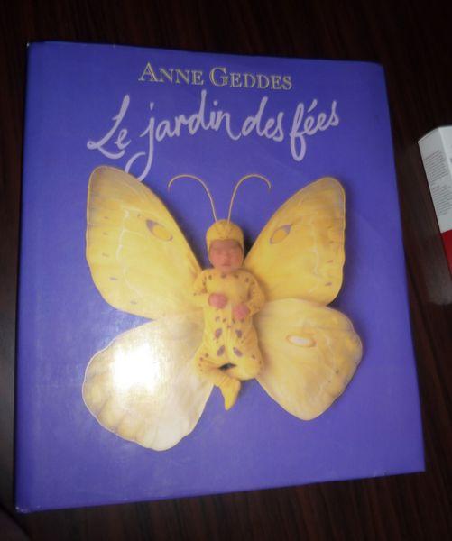 idee cadeau livre collector ANNE GEDDES le jardin  6 Bonnelles (78)