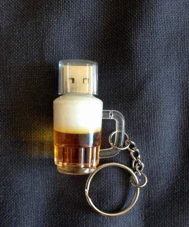 Clé / key usb 8 go imitation verre à bière 5 Carnon Plage (34)