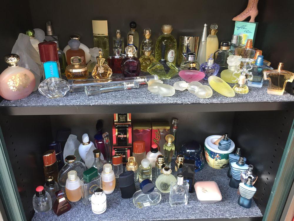 importante collection de flacons de parfums vides  200 Grenoble (38)