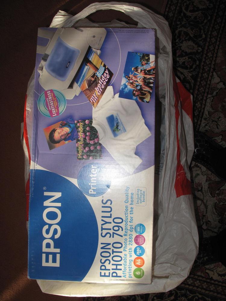 Imprimante EPSON STYLUS 790 NEUVE  30 Paris 12 (75)