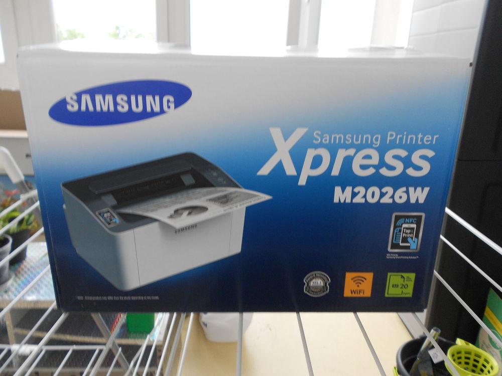 imprimante laser monochrome Samsung, Matériel informatique