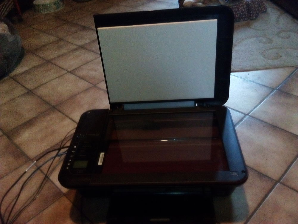 Imprimante/scanner HP 3010 + cartouches 40 Silly-le-Long (60)
