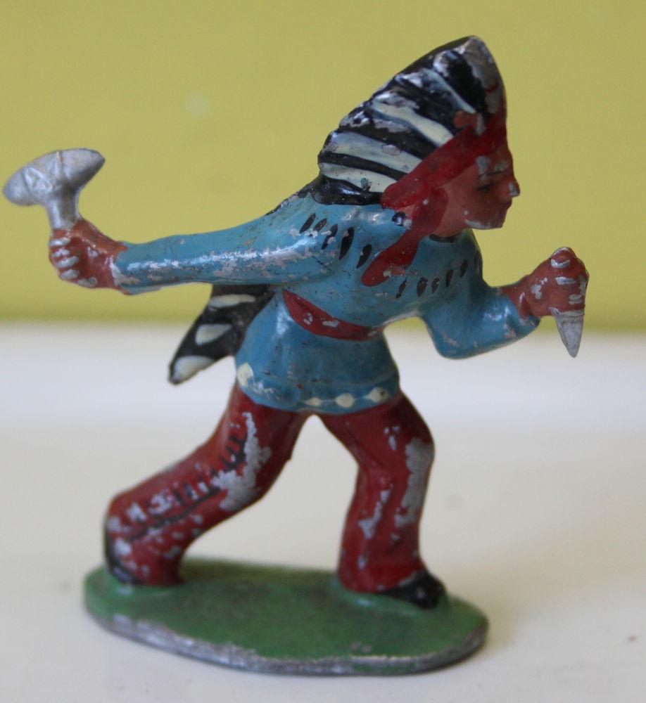indien avec hache et poignard ALUDO QUIRALU 25 Issy-les-Moulineaux (92)