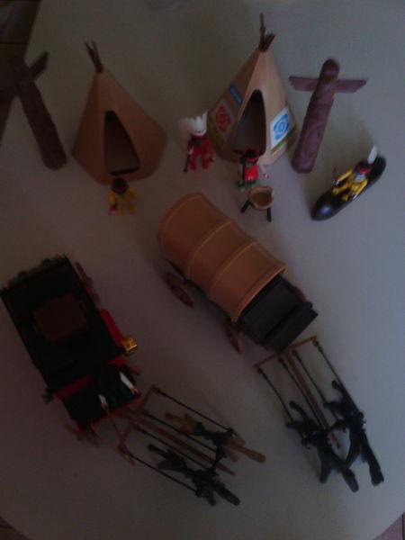 Indiens et diligences  Playmobil   30 Paris 15 (75)