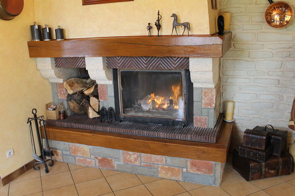 Insert et cheminée  150 Charmoy (89)