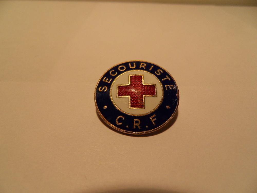 Insigne Broche Croix Rouge Formation des Secouristes.