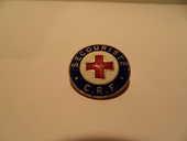 Insigne Broche Croix Rouge Formation des Secouristes. 5 Mèze (34)