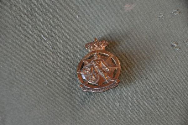 Insigne de casque Belge de 1939 15 Saint-Germain (10)