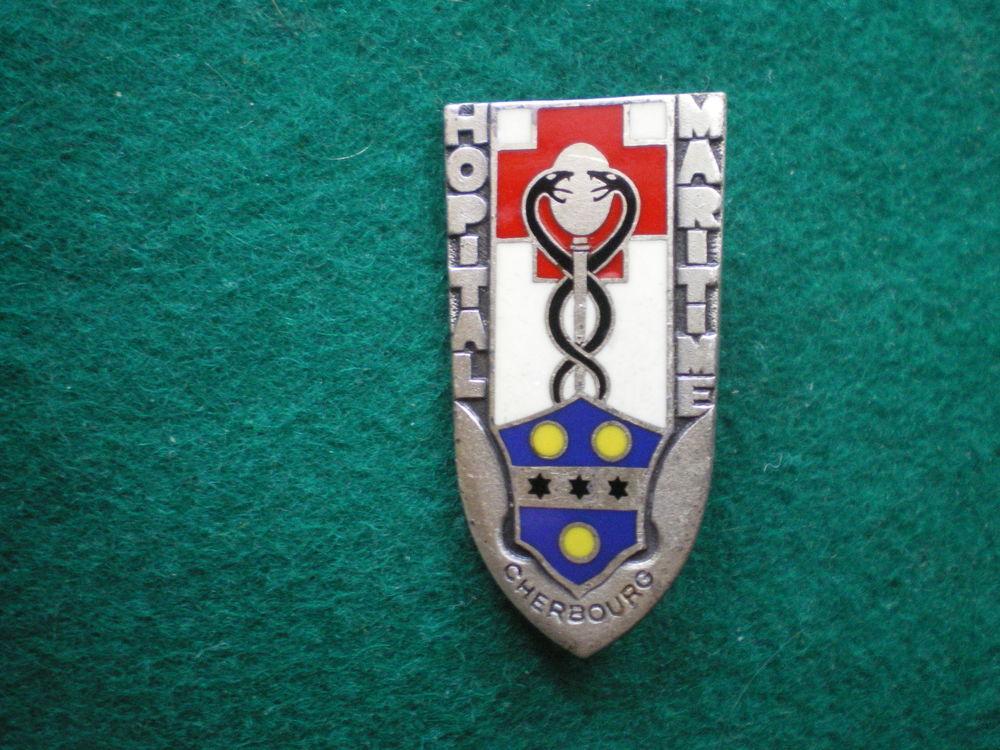 Insigne de Santé - Hôpital Maritime Cherbourg. 18 Caen (14)