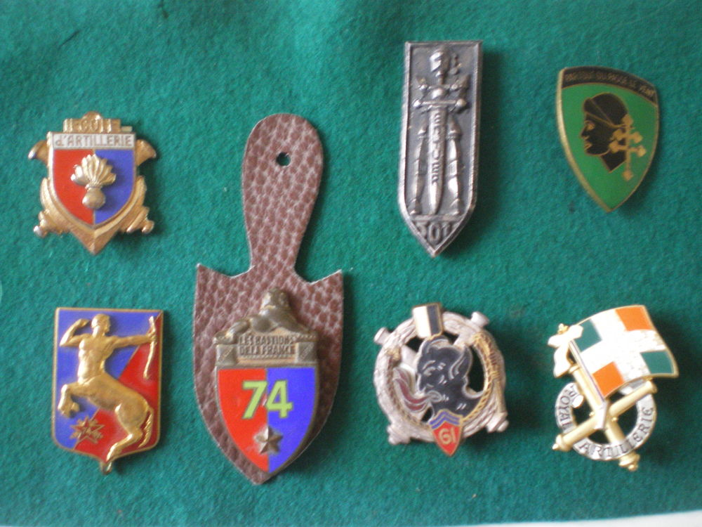 Insignes d'Ecole d'Artillerie - Artillerie et Char de Combat 13 Caen (14)