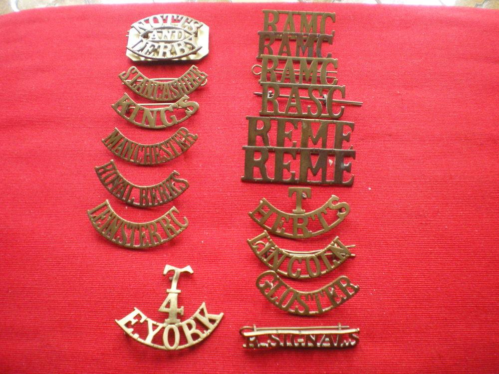 Insignes en métal de régiment britannique. 23 Caen (14)